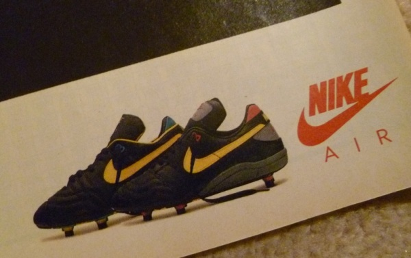 nike air strike air fire ian rush juventus diving header alitalia advert close up